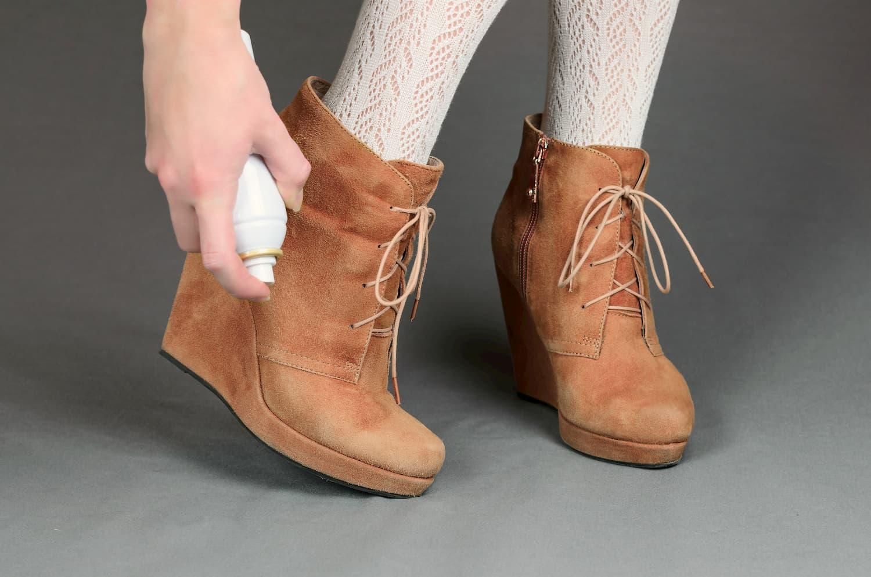 imperméabilisation chaussures en daim